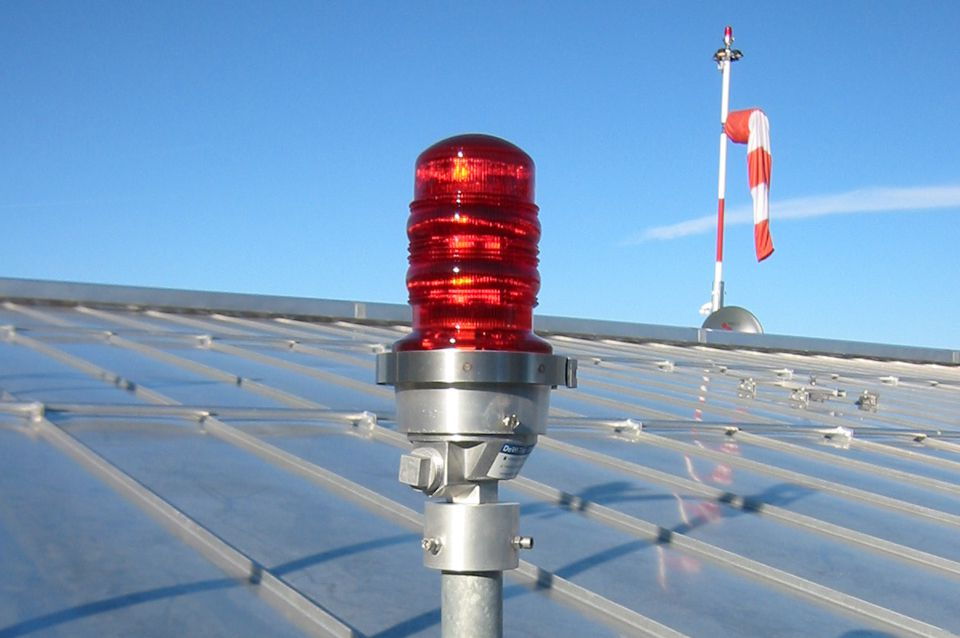 LED Obstruction Lights | DeWiTec GmbH - Airport Technology