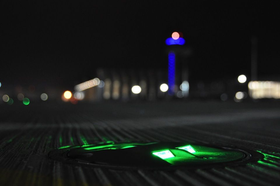 Taxiway Lighting Dewitec Gmbh Airport Technology